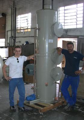 Torre de Absorção De Gases para Vapores De Ácido Clorídrico. IBF / RJ